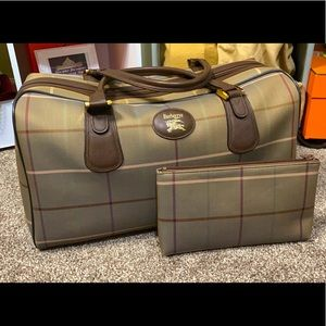 Burberry travel bag with pouch